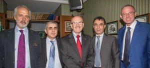 Luis-Ignarro-(alCentro)-torrese-Premio-Nobel-1998